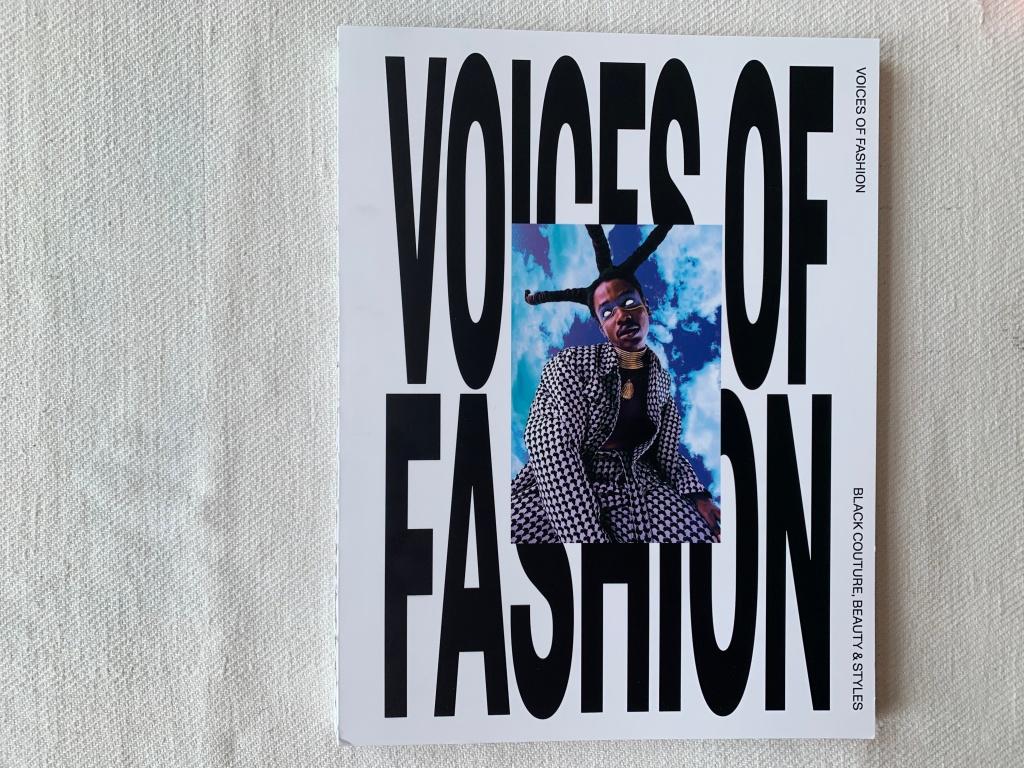 Coverfoto: AiRich, Styling: Faouziat Biera Faous, Haar: Yara Forster, Make-up: Magdalena Kielb. Een uitgave van uitgeverij Waanders