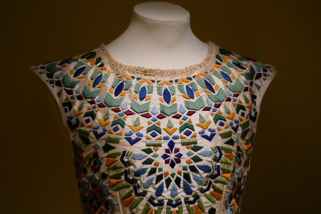 Mosaic Dress van Karim Adduchi uit de collectie 'She has 99 names' 2017