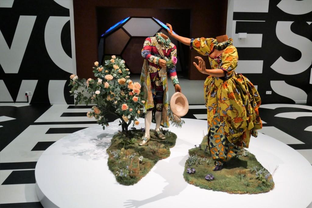 Yinka Shonibare, The Pursuit (2007)